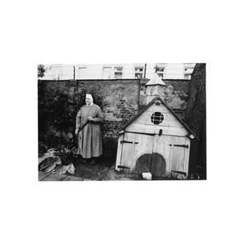 P 4 Nonne